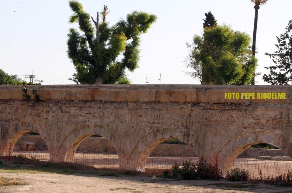 El acueducto de Alcantarilla y su postureo hasta en la sopa