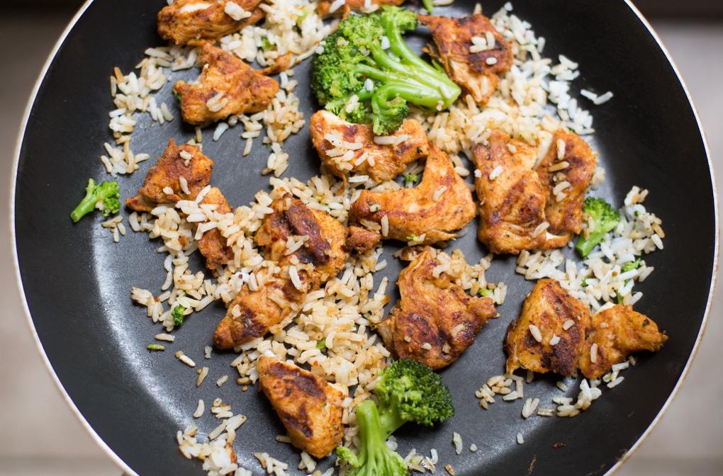 1020 - broccoli-chicken-cooking-105588