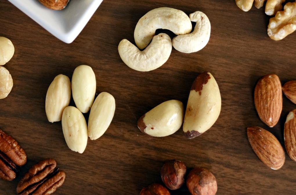 1020 - almond-almonds-brazil-nut-1295572