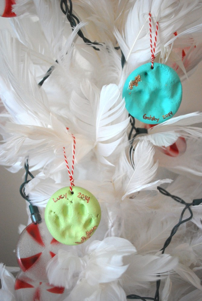 Clay Pet Paw Ornaments (1/3)