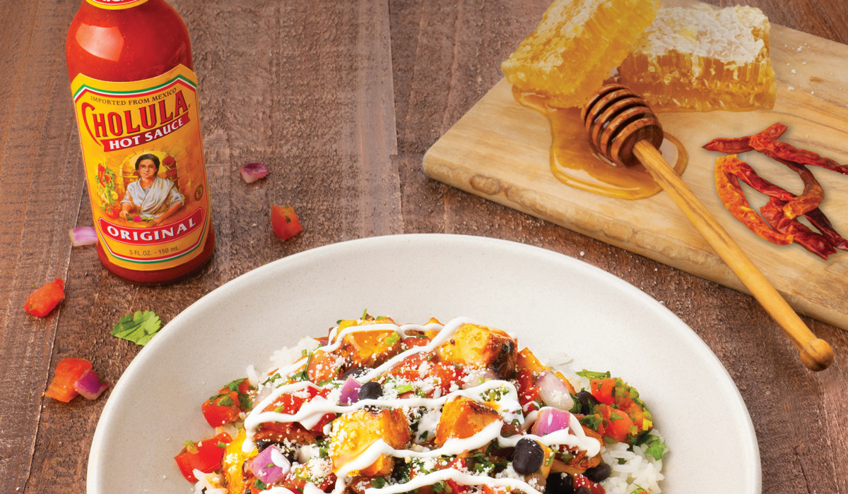 QDOBA Mexican Eats Introduces New Cholula® Hot & Sweet Chicken