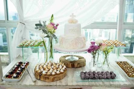 Mesa con dulces variados-Peppophotography