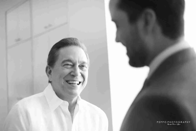 Jorge conversando con Nito en Blanco y Negro