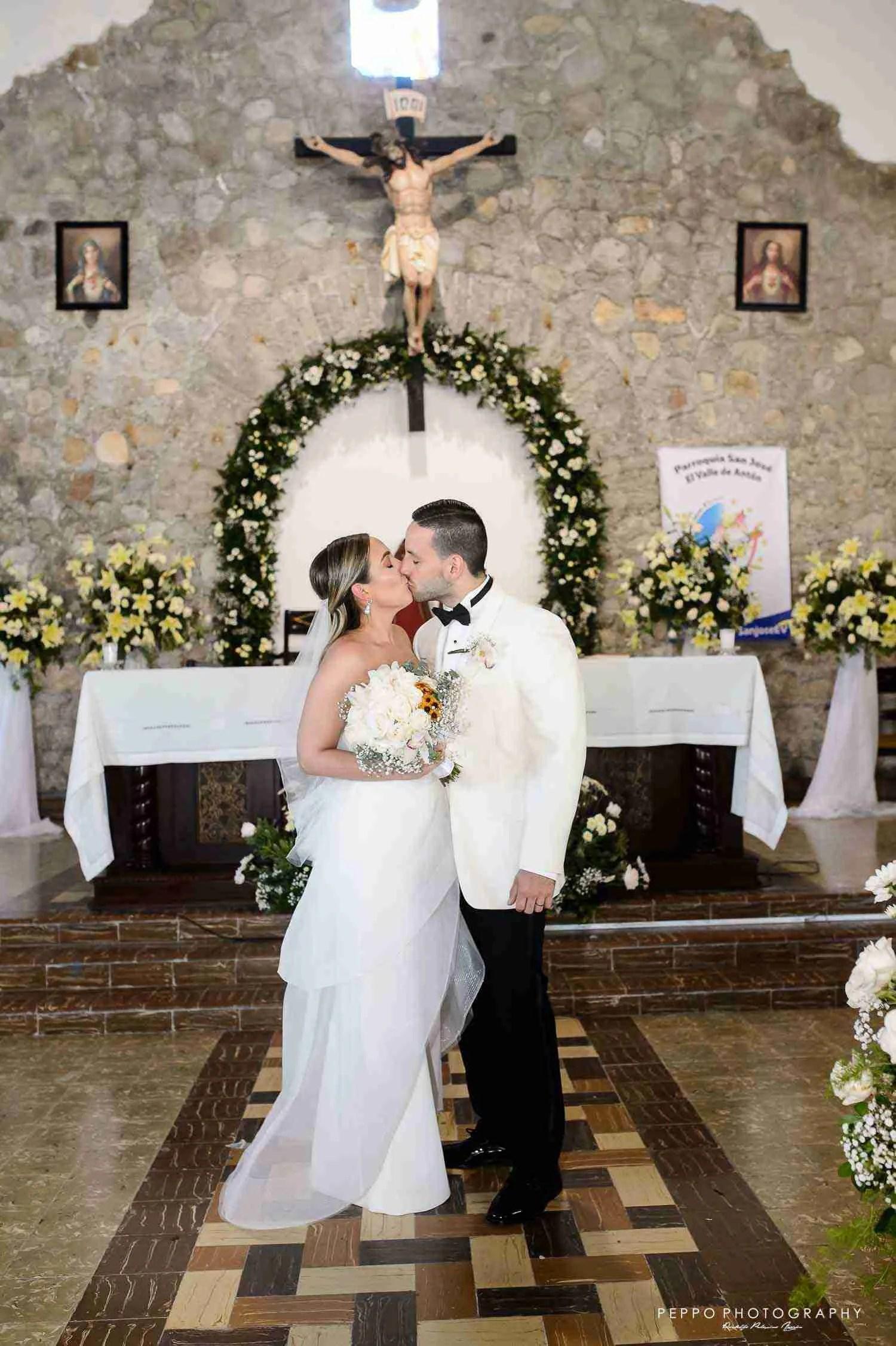 Isabella y Felipe recien casados!