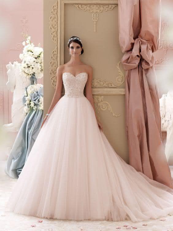 Vestidos de Noiva Estilo Princesa Tendncias 2018