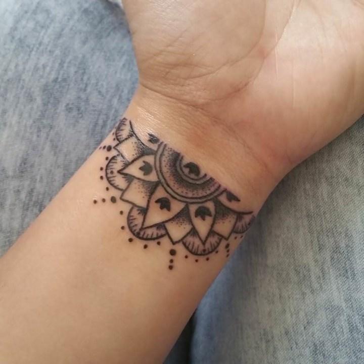 Tatuagens Femininas 2022 no Pulso
