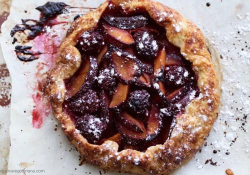 sobremesas francesas, receita de galette, receita torta francesa, galette de ameixas com amora, como fazer galette, pequena vegetariana, receita torta de ameixa, receita torta de amora, ana tavares