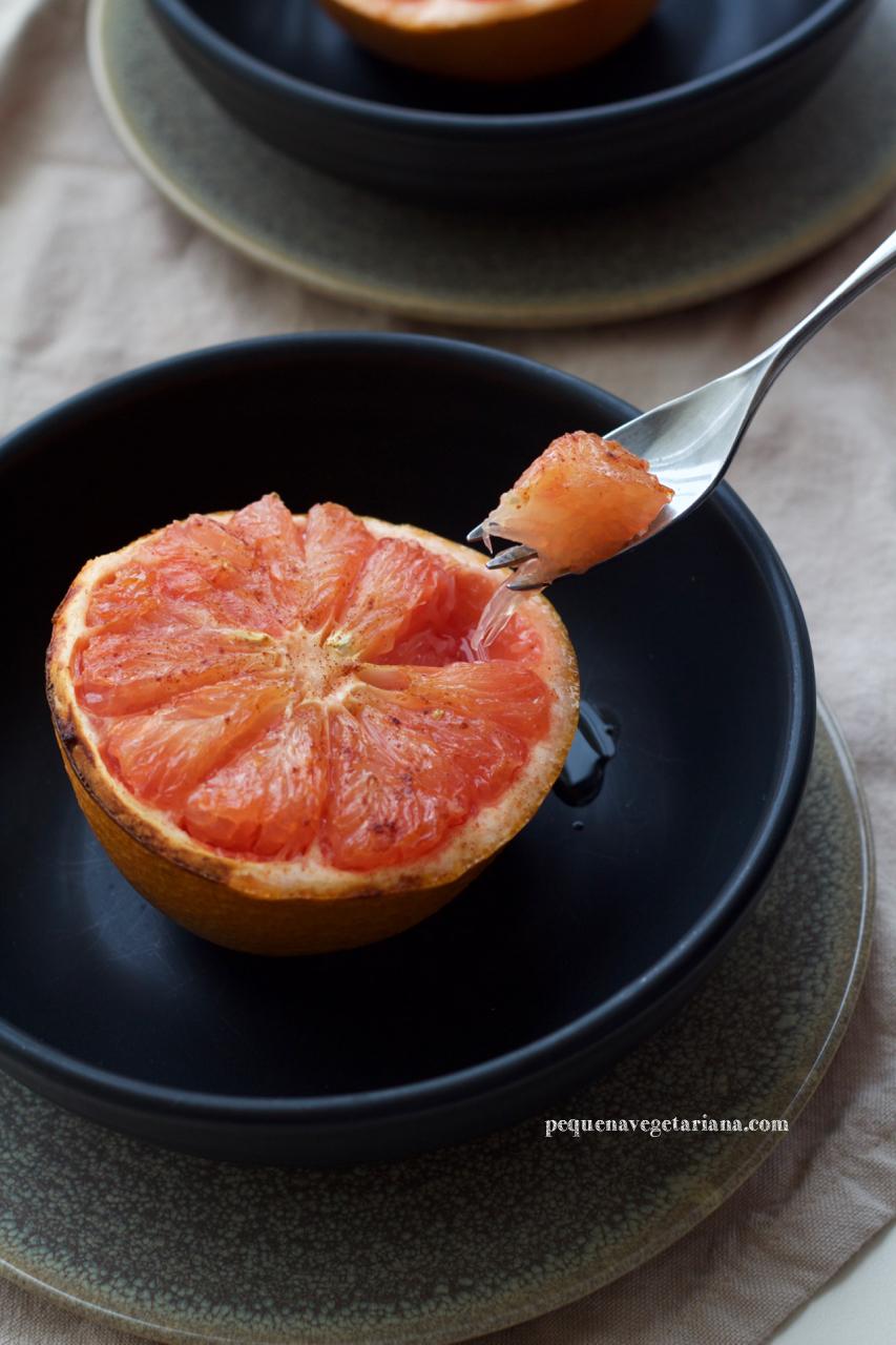 Receita de toranja assada, café da manhã francês, receitas com toranja, pequena vegetariana
