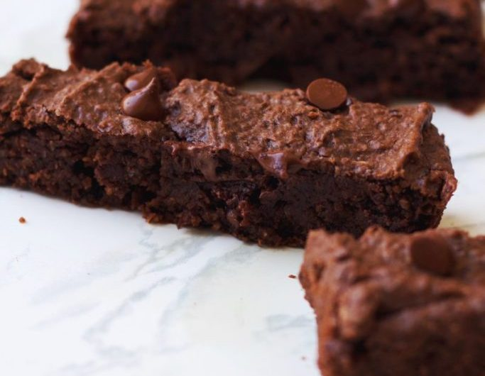 Receita de brownies de feijão preto vegano (sem leite & sem ovos & sem glúten), pequena vegetariana, brownies, receita, vegan, vegano, vegetarianismo, como fazer brownie, brownie com feijão, sobremesa vegana, sobremesa com feijão preto, sobremesa saudável