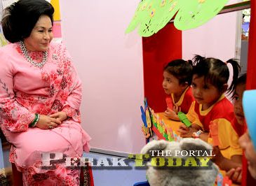 Sarawak Report Dakwa RM2 juta Dimasukkan Dalam Akaun Peribadi Rosmah