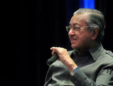 'Kepimpinan Najib Tidak Bawa Manfaat Kepada Negara' – Mahathir