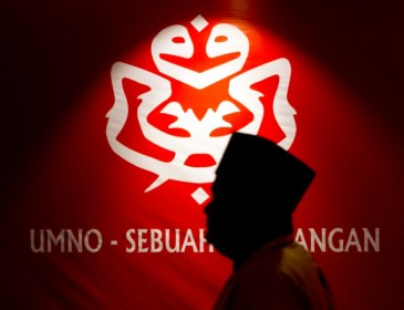 Umno berkorban sokong parti 'kerdil' untuk halang DAP berkuasa