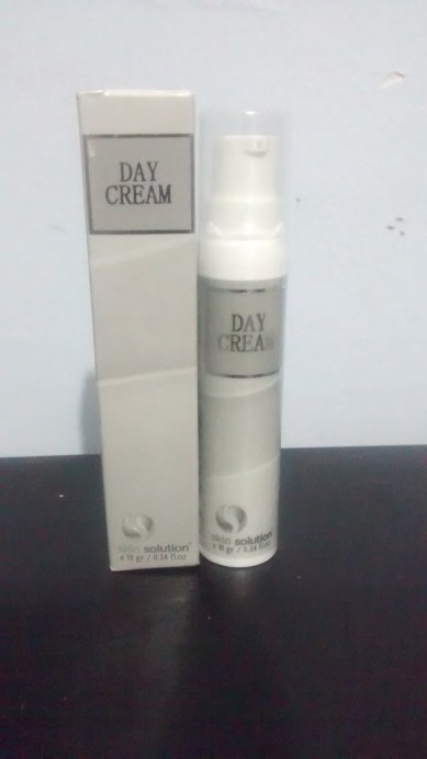 Perawatan Kulit Wajah Whitening Day Cream Small Skin Solution