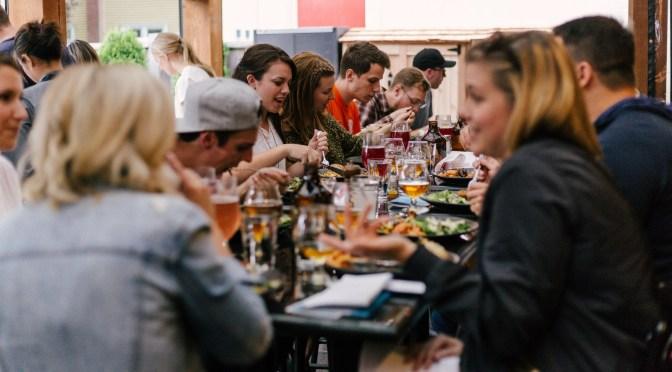 Restauranter i Italien åbner på trods af forbud