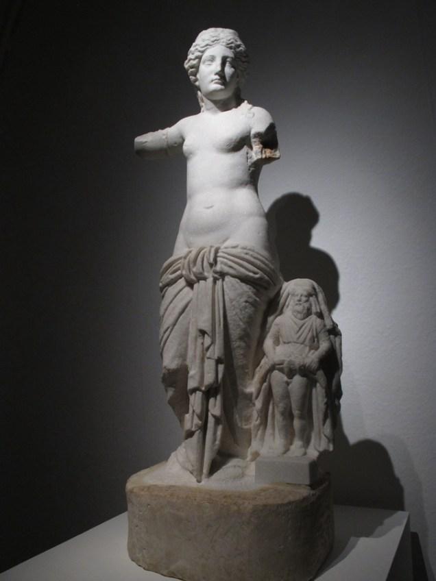 Kip božice Venere Anzotike s Prijapom, Nin, sred.1.st.