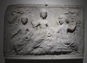 Reljef s prikazom triju nimfi, Varaždinske Toplice, 2/3.st.