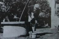Ivan Generalić na dvorištu, oko 1955,, snimio Milan Pavić