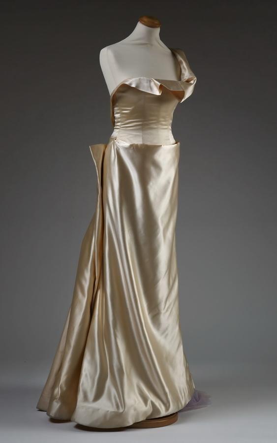 Vjenčana haljina, dizajn Ocimar Versolato, Pariz, 1996., foto: Srećko Budek
