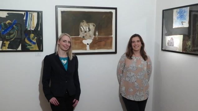 Ravnateljica Muzeja grada Pakraca Jelena Hihlik i kustosica izložbe Sonja Švec Španjol