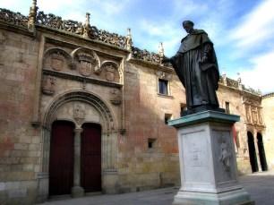 Fray Luis de León Patio de escuelas