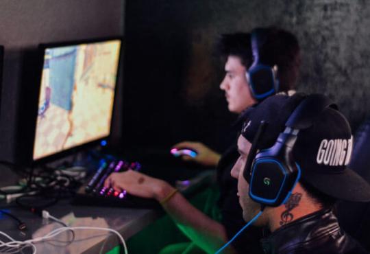 Gamers jugando