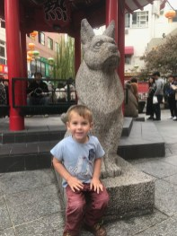 For the boy born in Year of the Dog (2015), we found this statue in Kobe's Chinatown