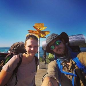 Daria i Wojtek w Bluff na początku szlaku Te Araroa, Nowa Zelandia