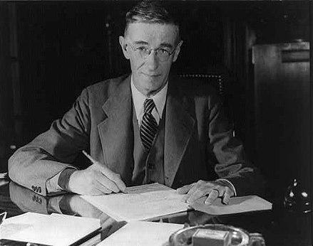440px-Vannevar_Bush_portrait.jpg