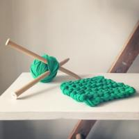 Upcycled Knitting: Pot Holders - perennial