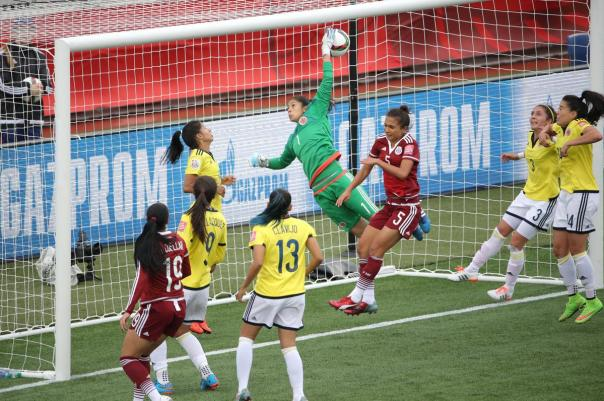 2015-06-09T204323Z_1156421036_NOCID_RTRMADP_3_SOCCER-WOMEN-S-WORLD-CUP-COLOMBIA-AT-MEXICO