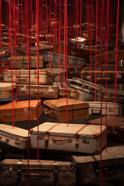 chiharu-shiota-Searching-for-the-Destination1