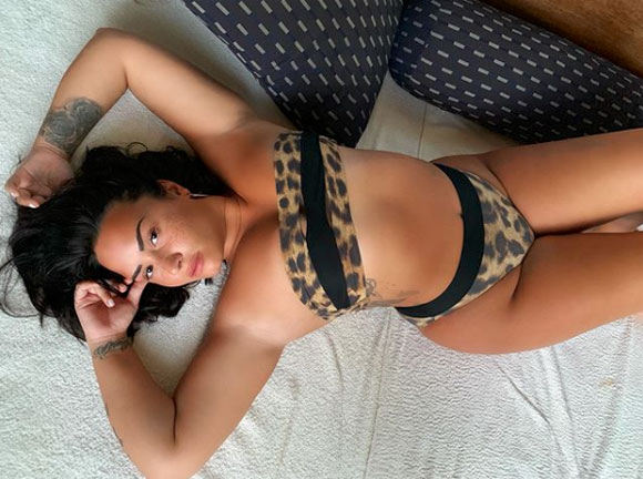 This pic of Demi Lovato may have been Photoshopped.