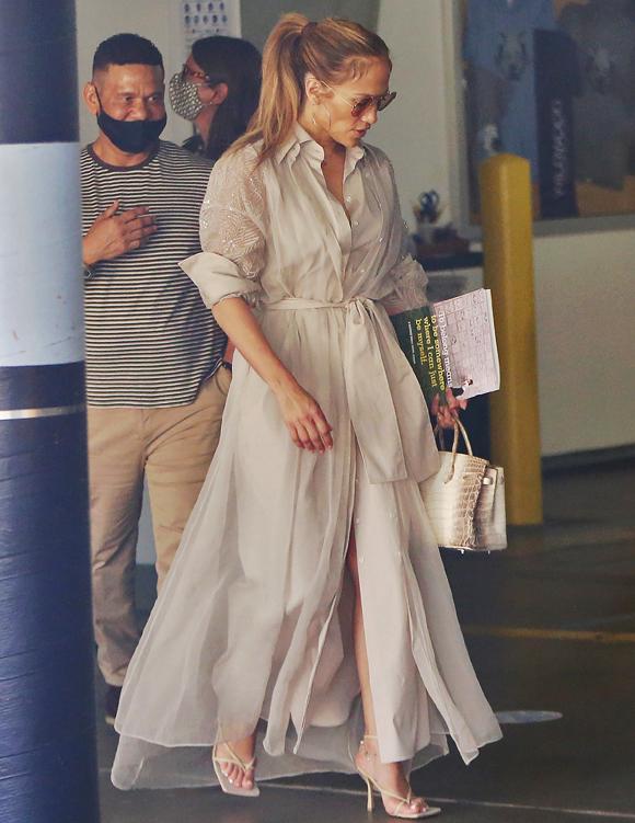 Jennifer Lopez visiting school Los Angeles