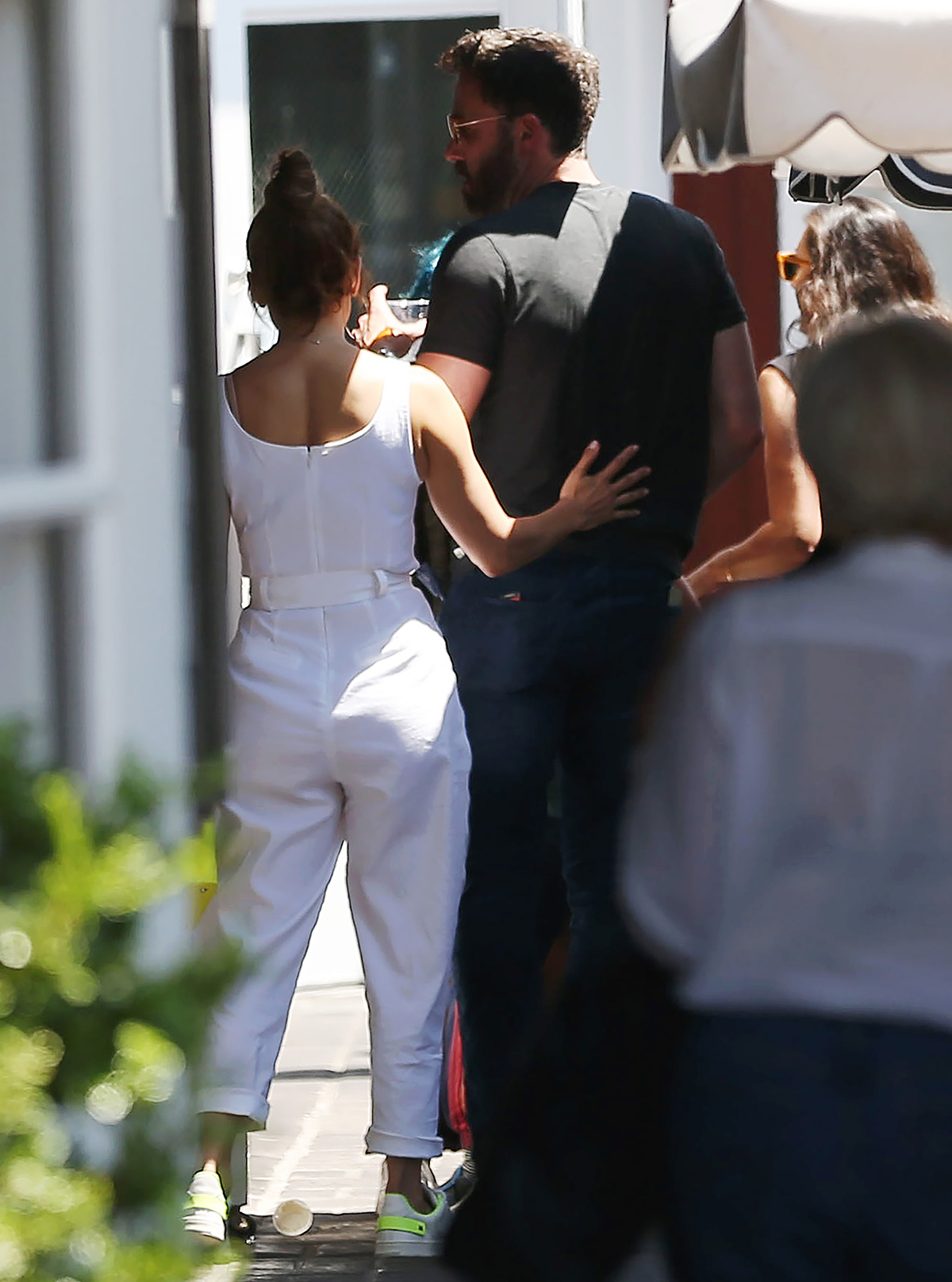 Jennifer Lopez & Ben Affleck Couldn't Keep Their Hands Off Each Other During Shopping Trip In El Lay!