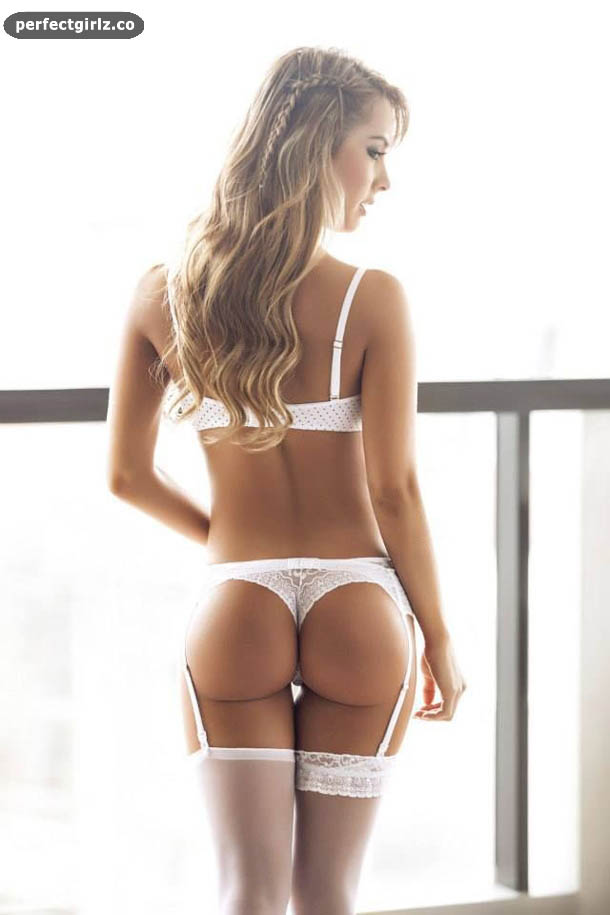 View 30 more photos of: Hot White Girls