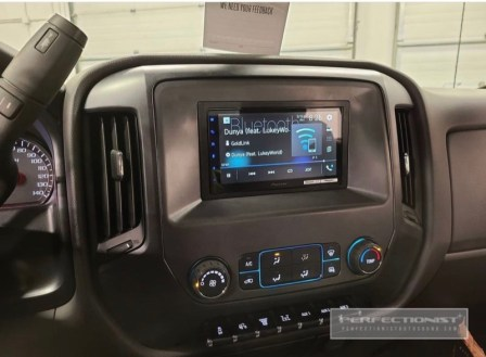 Chevy 5500 Stereo