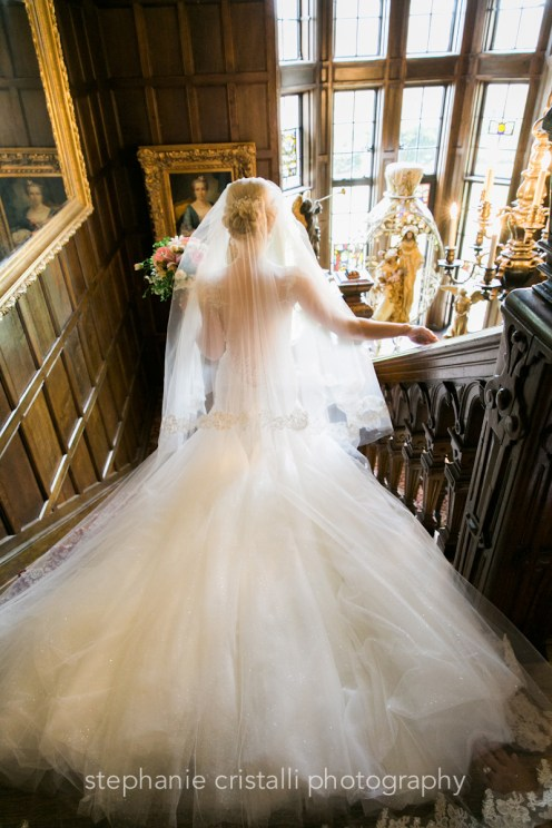 Thornewood Castle Wedding in Seattle | Gorgeous bride walking down Thornewood Castle staircase | Perfectly Posh Events, Seattle Wedding Planner | Stephanie Cristalli Photography