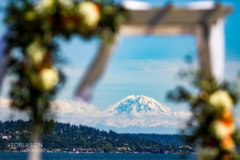 Seattle Tennis Club wedding in Seattle | Outdoor Seattle ceremony with Mount Rainier in background | Perfectly Posh Events, Seattle Wedding Planner | JTobiason Photography