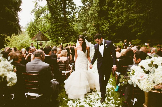 DeLille Cellars wedding in Woodinville | Bride & Groom walking down aisle | Perfectly Posh Events | Seattle Wedding Planner | Andria Lindquist Photography | Butter & Bloom