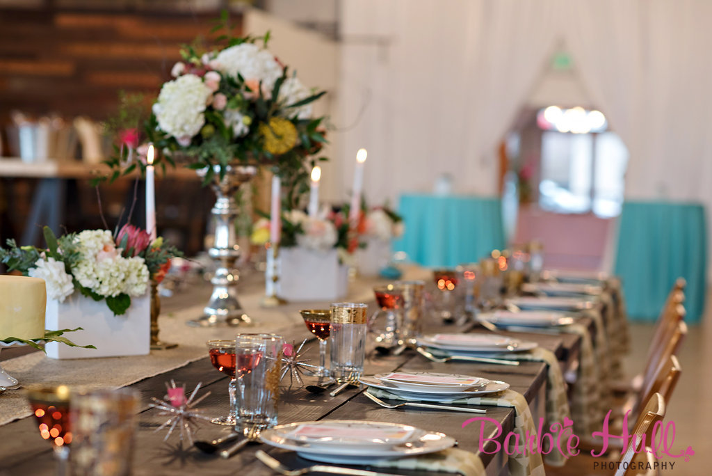 Seattle Wedding Show, I Do Sodo | Mid-Century inspired table setting | Perfectly Posh Events | Barbie Hull Photography