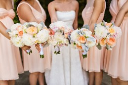 Robinswood House Wedding in Bellevue | Blush and white neutral bridal bouquets | Perfectly Posh Events, Seattle Wedding Planner | Courtney Bowlden Photography | Sublime Stems