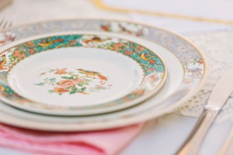 Robinswood House Wedding in Bellevue | Mismatched Asian flared flatware for reception | Perfectly Posh Events, Seattle Wedding Planner | Courtney Bowlden Photography | vintage plate set at wedding reception