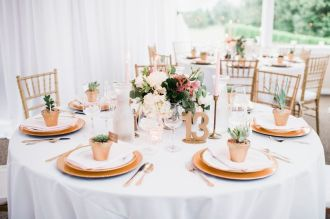 Glen Acres Golf Club   Seattle   Seattle Wedding Planner   Perfectly Posh Events   Barrie Anne Photography   Gold place setting   Butter and Bloom centerpieces