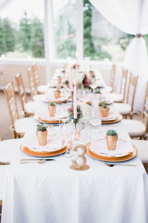 Glen Acres Golf Club | Seattle | Seattle Wedding Planner | Perfectly Posh Events | Barrie Anne Photography | Gold table setting
