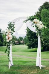 Glen Acres Golf Club   Seattle   Seattle Wedding Planner   Perfectly Posh Events   Barrie Anne Photography   Ceremony Arch   Butter and Bloom