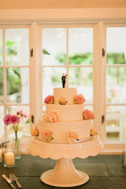 DeLille Cellars wedding in Woodinville | Three-tired buttercream cake with rose accents | Perfectly Posh Events | Lucid Captures Photography | Morfey's Cakes