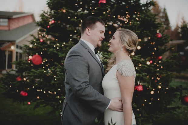 Cedarbrook Lodge wedding in Seattle | Christmas/New Year's Eve wedding pictures with Christmas tree | Perfectly Posh Events | Carly Bish Photography | Butter & Bloom