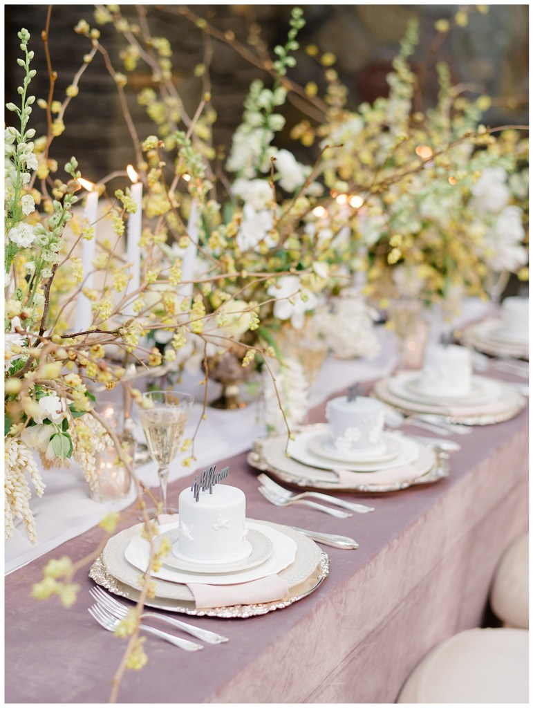Luxury place card ideas for your small wedding. Click for more Intimate Wedding ideas in response to the effects of COVID-19 on weddings. Wedding planning by Perfectly Posh Events, based in Seattle and Portland. Wedding photography by Kristen Honeycutt Photography. Mini Cakes by Honey Crumb Cake Studio. Place cards by Pomp & Revel. #perfectlyposhevents