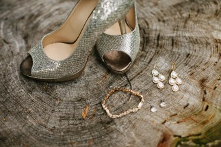 DeLille Cellars Wedding in Woodinville, WA | Metallic gold Jimmy Choo wedding shoes with gold jewelry | Perfectly Posh Events | Lucid Captures Photography