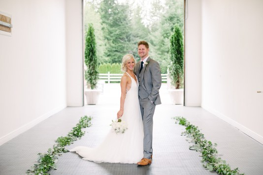 Bride and groom on wedding day with white bridal bouquet, woodinville wedding planner, Allison Dan Woodinville Wedding by Perfectly Posh Events, Photo by Blue Rose Photography